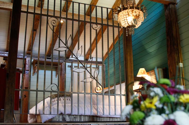 Cabana Andorinha - Visão da sala para o quarto - Estalagem Santo Antônio - Pousada - Urubici - Santa Catarina